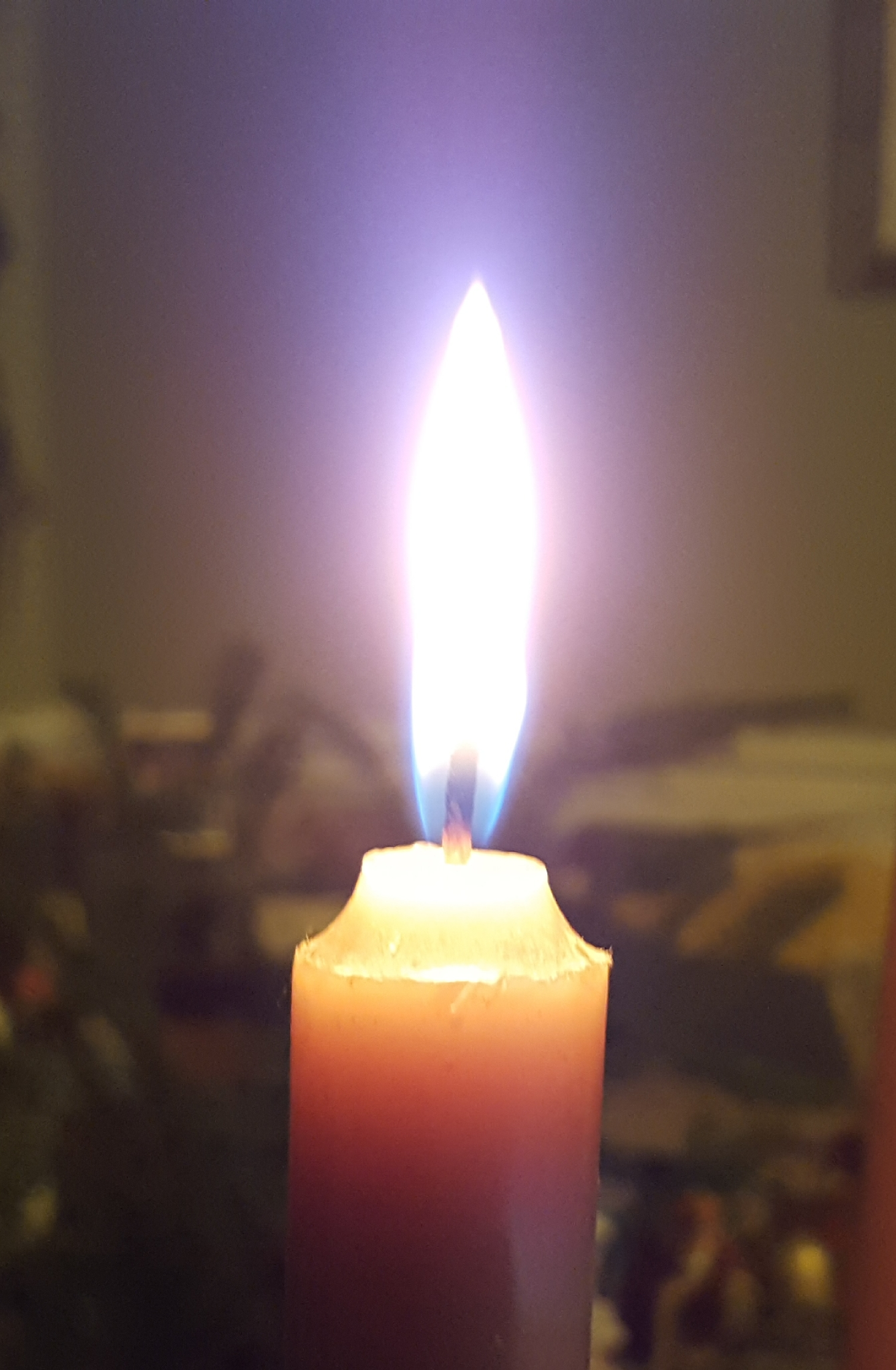 Lighting the Candle of Hope {Meditations on the First Sunday of Advent}